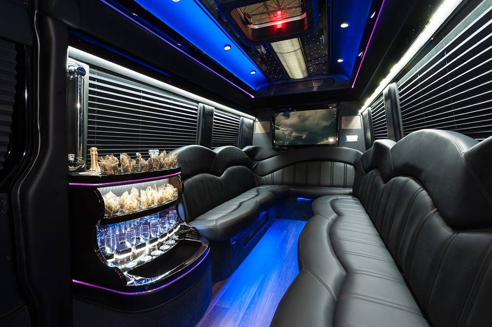 Benefits of Renting Charter Buses For Regular Commute